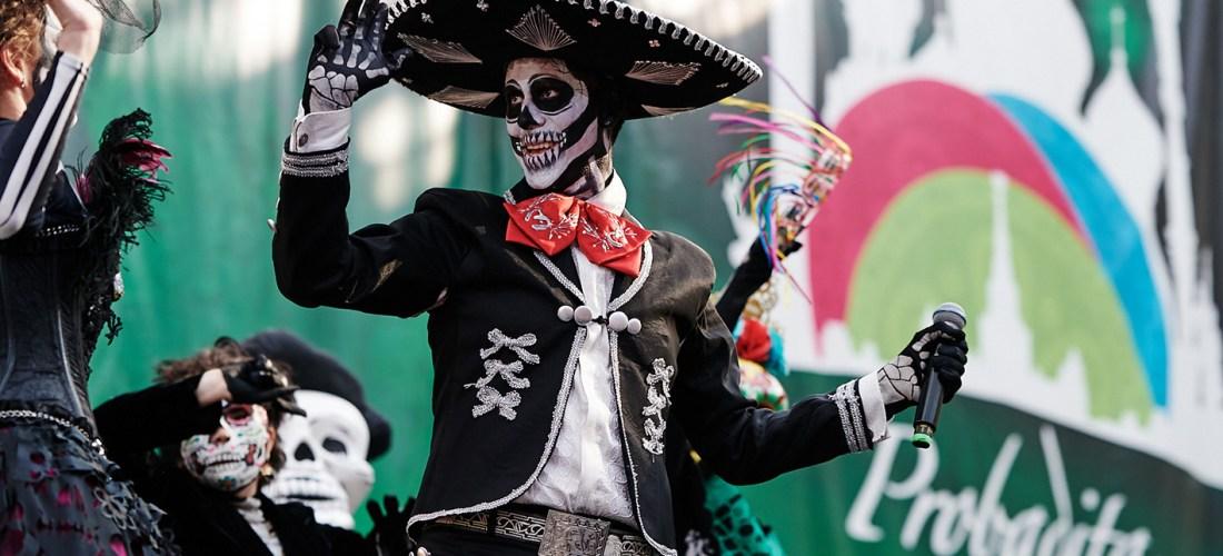 Rusia vive una probadita del Desfile de Día de Muertos @VisitMex