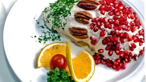 Chiles en nogada (Cortesía: vidalatinasd.com)