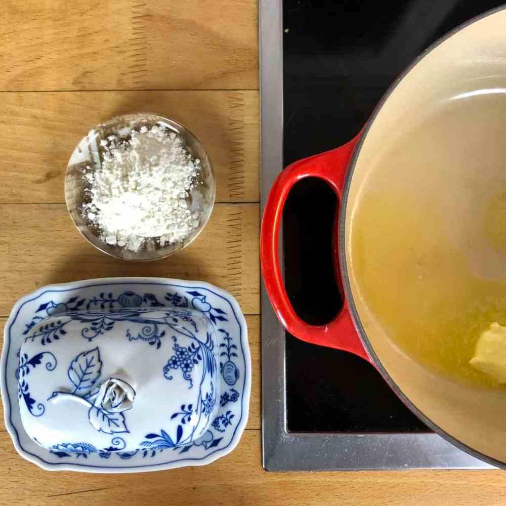 Butter für die Mehlschwitze zerlassen.