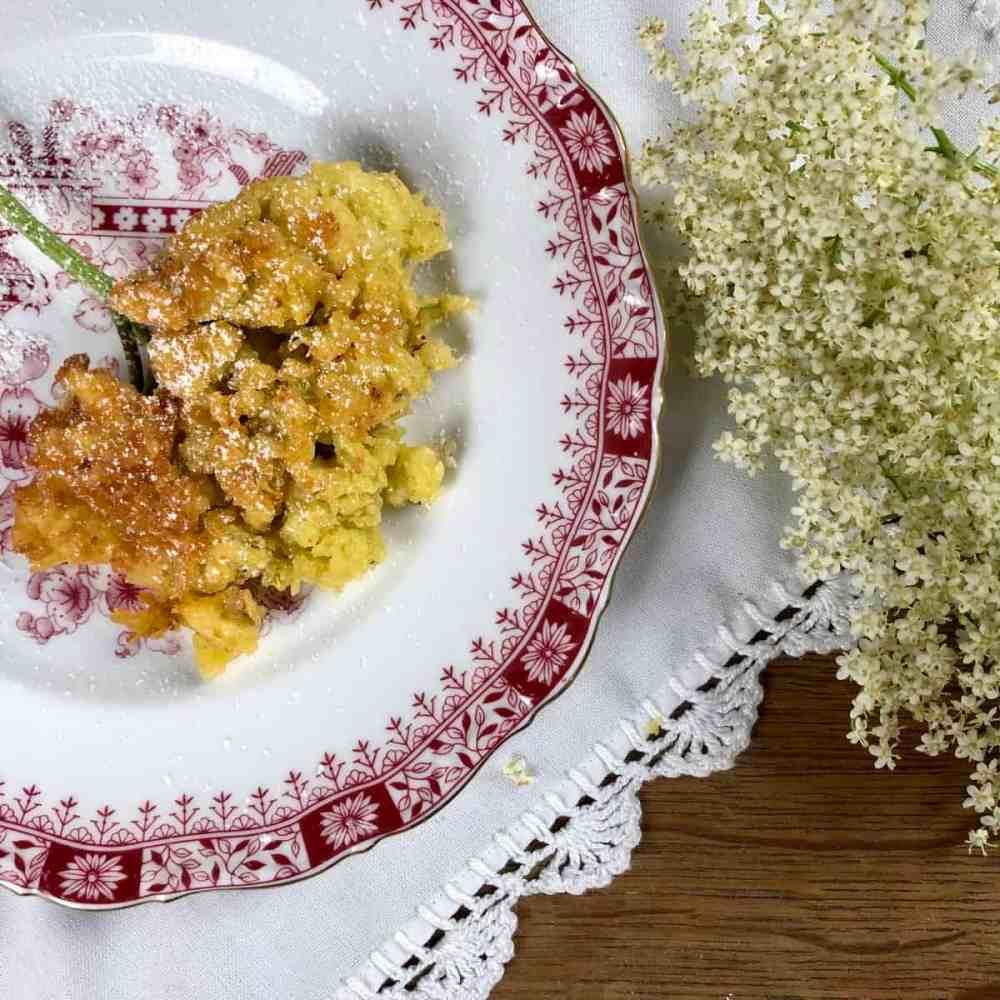 Holunderküchle – Gebackene Holunderblüten