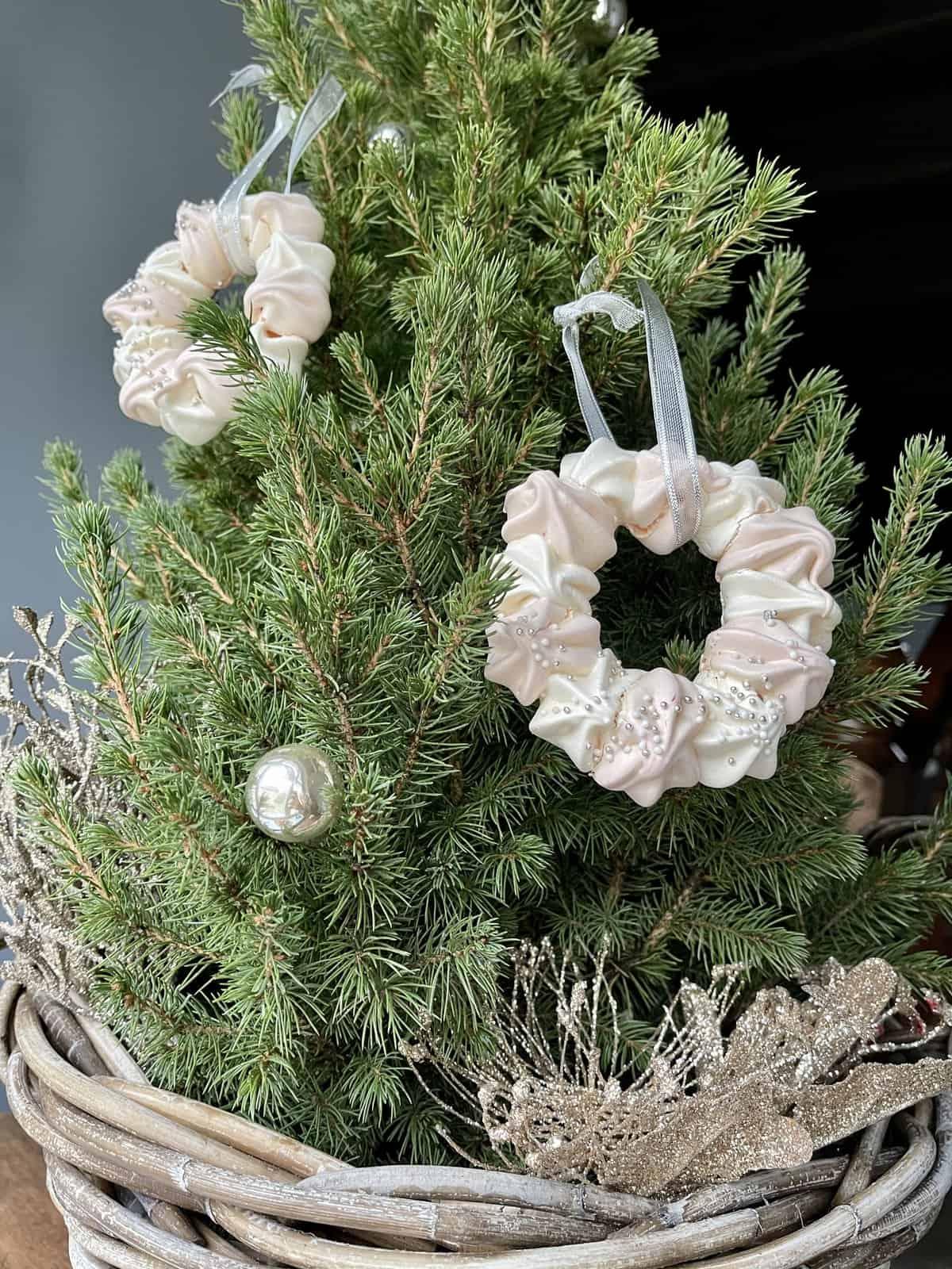 Weihnachtsbaumschmuck aus Baiser