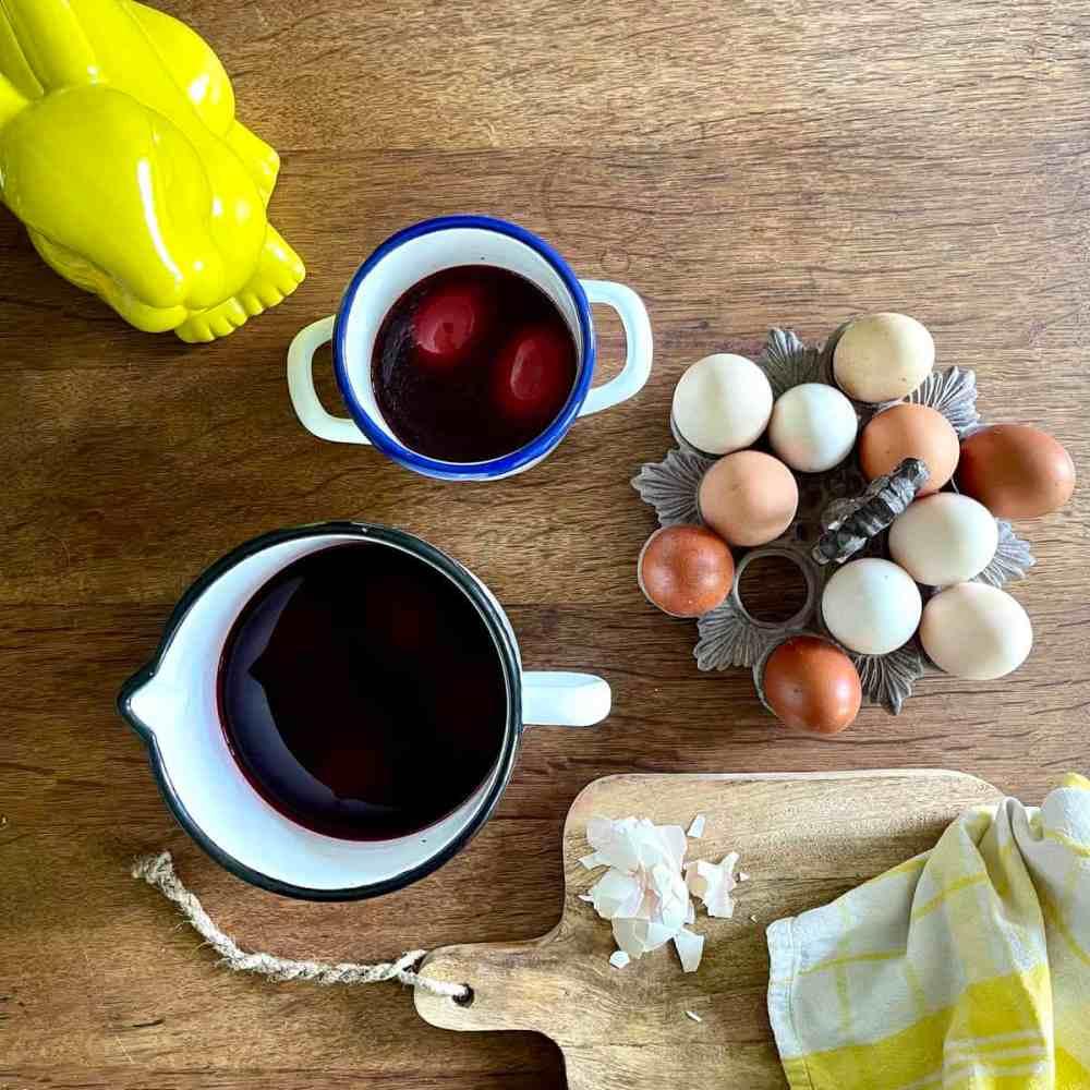 Eier einige Stunden oder über Nacht einlegen.