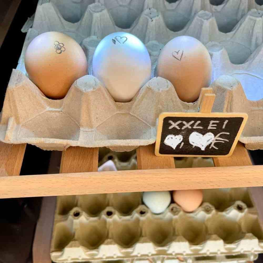 Ein Herz für frische Eier.