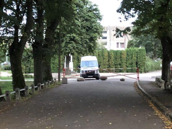Unser Wohnmobil steht an der Grenze zu Russland