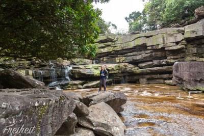 Stufe Eins des Popkvil Wasserfalls mit fast ohne Wasser
