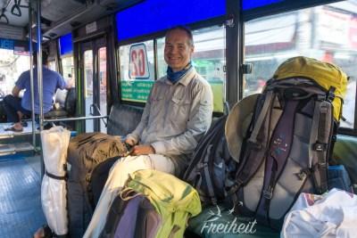 Im Linienbus dagegen haben wir Platz
