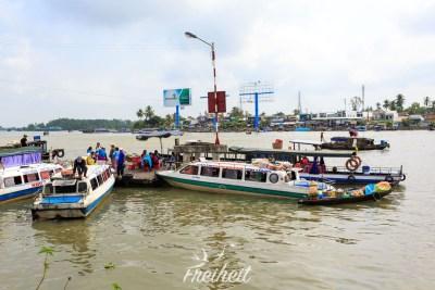 Wasserbusse, öffentlicher Nahverkehr auf dem Mekong