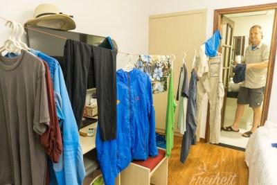 Wir föhnen stundenlang die feuchte Wäsche