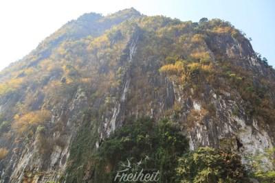 In diesem Berg liegt ein Höhlensystem