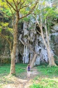 Treppe zur Höhle Pha Tok