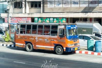Heutzutage sind die meisten Autos breiter als dieser Bus ;-)