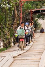 Holzbrücken können tückisch sein