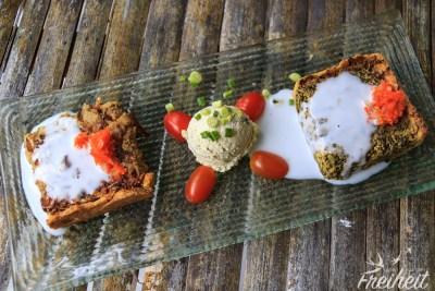 Vegane Leckereien -Quiche und das in der Mitte ist kein Eis, sondern eine Cashewcreme ;-)
