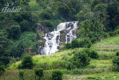 """Blick von unserer Terrasse auf den """"kleinen"""" Ravana Wasserfall"""