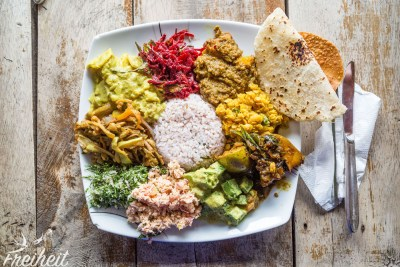 Alles ziemlich lecker - unser Favorit: Auberginen Curry und Kürbis Curry