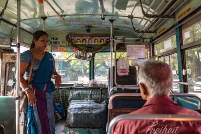 Mit dem Bus nach Kandy
