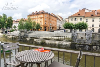 Am Ufer der Ljubljanica