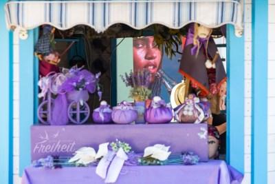 Ein Lila Laden in Izola - mit besonderem Hintergrund ;-)