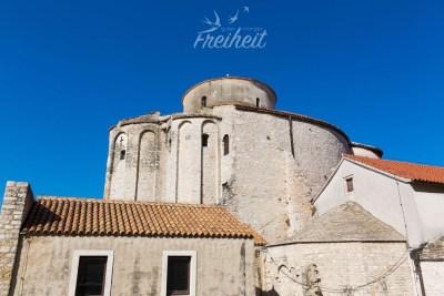 Die römisch-katholische Kirche Sv. Donat aus dem 9. Jahrhundert - dank der Akkustik finden hier viele klassische Konzerte statt