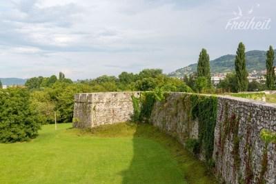 Das älteste Bauwerk der Stadt: das Kastel - vermutlich von den Römern errichtet und den Osmanen und Österreichern weiter ausgebaut.