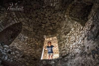 Aufstieg im Festungsturm