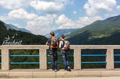 Ein bisschen ein komisches Gefühl ist es schon auf so einer alten Brücke zu laufen nach dem in Genua eine Autobahnbrücke eingestürzt ist
