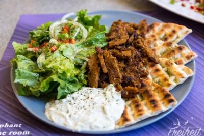 Abendessen in Thessaloniki: Carsten bekam dieses oberlecker gewürzte Gyros
