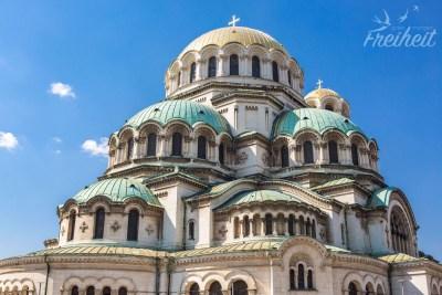 Die Alexander-Newski-Kathedrale ist den russischen Soldaten und dem damaligen Zar gewidmet, die gegen die osmanische Herrschaft in Bulgarien gekämpft haben