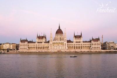 ...Parlamentsgebäude