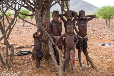 Die jüngste Himba Generation
