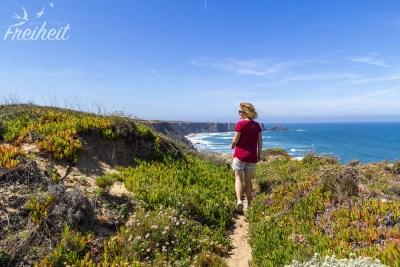 Spaziergang entlang der Küste
