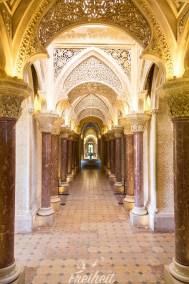 Prunkvoller Säulengang