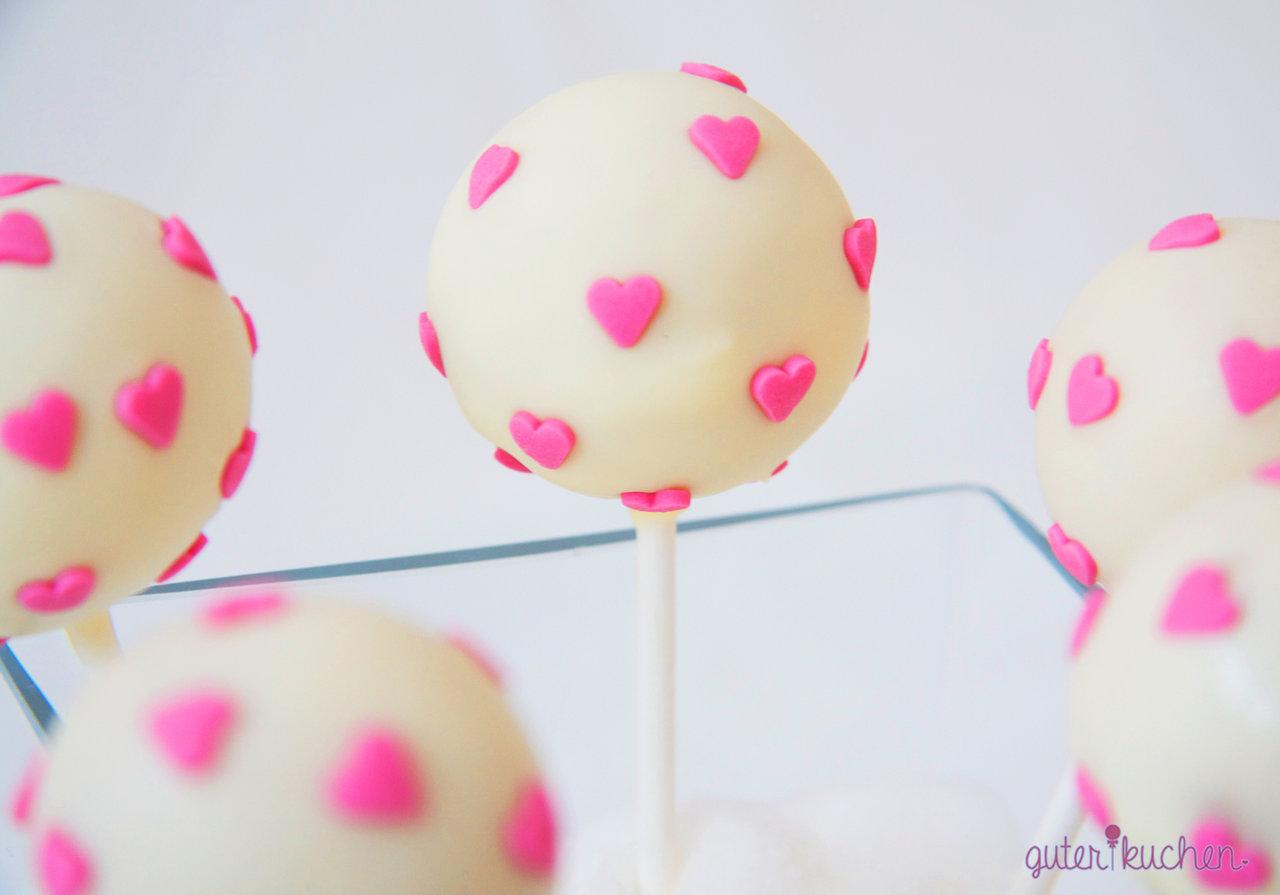 Cake Pops Herzchen  Online bei guter kuchen bestellen