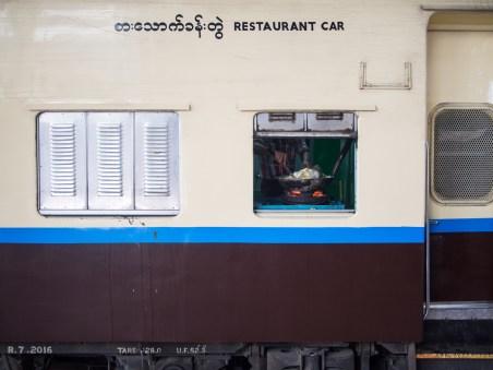 Speisewagen in Myanmar