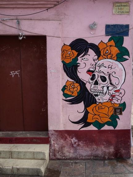 Der Tod hat wenig Schreckliches in Mexico.