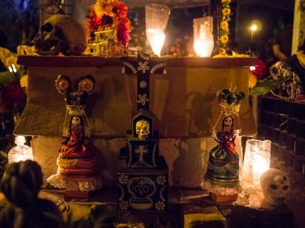 Einer der unzähligen Altare.
