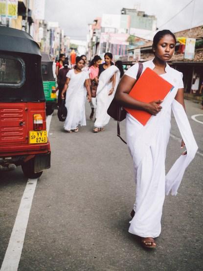 Studentinnen auf dem Heimweg