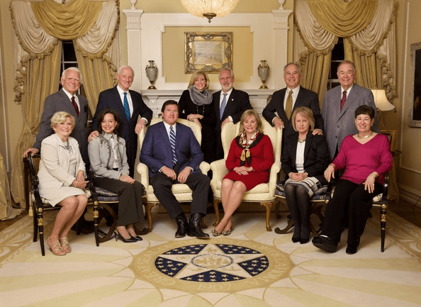 Gov. Mary Fallin brings together former Oklahoma Governors for an evening at the Mansion