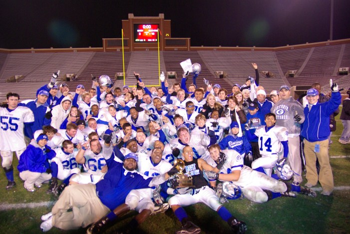 Guthrie honors the 10-year anniversary of the 2007 State Champions