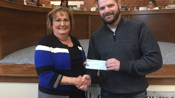 Video: GUES receives $7,000 donation from Sonic East