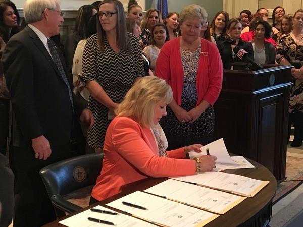 Governor signs criminal justice reform bills