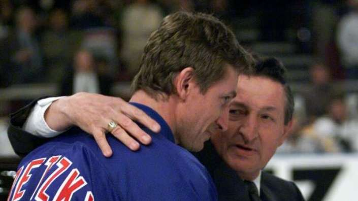 Wayne Gretzky pens touching letter for his father…