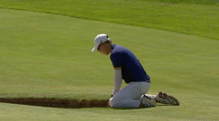 Golfer saves par from his knees…