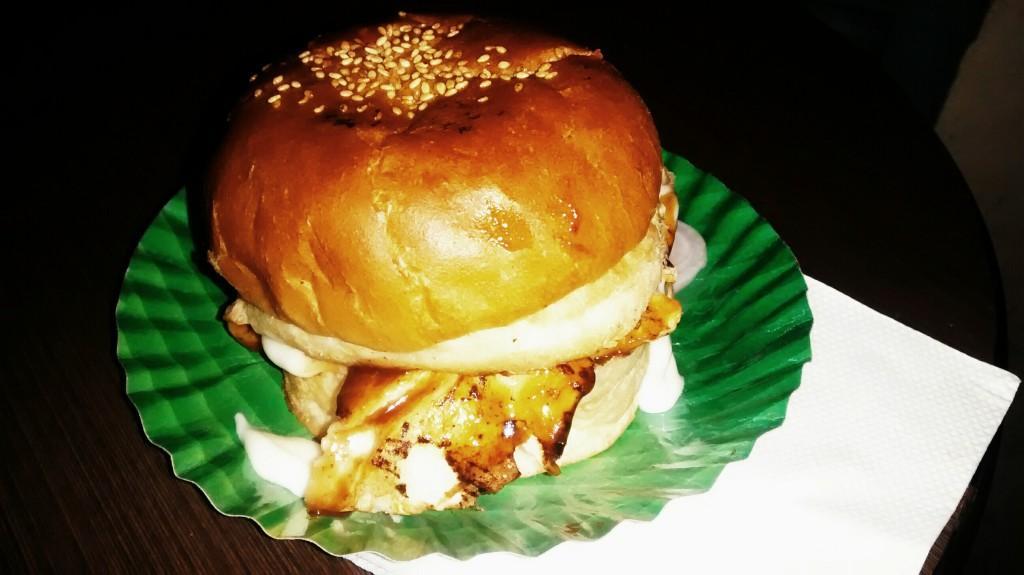 Burger @ Grill Republica #GuwahatiFoodie