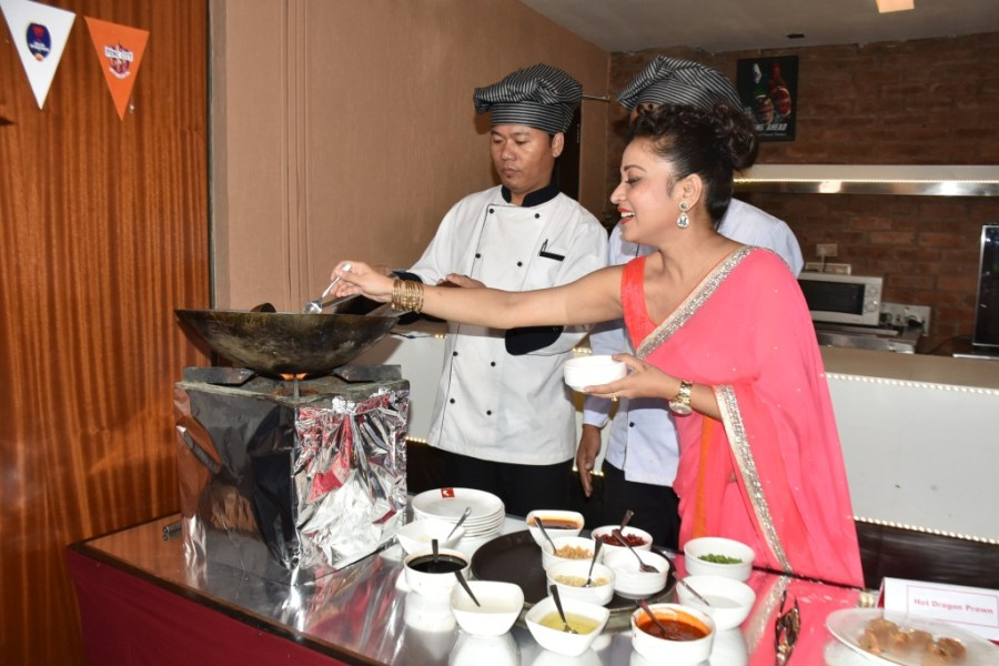 Live Cooking @ Yo China