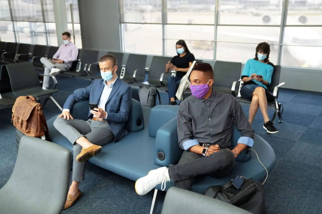 US carriers update face coverings requirements