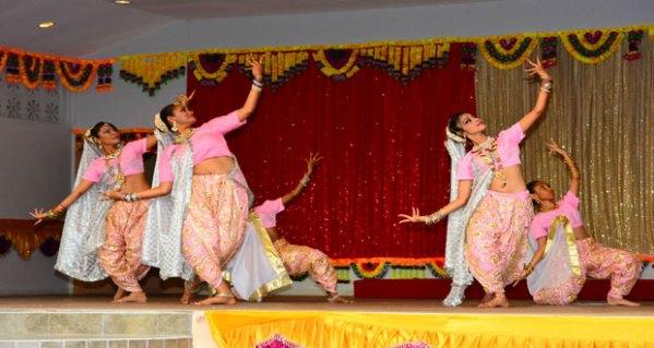 Pushpanjali 2015 highlights cultural diversity of East