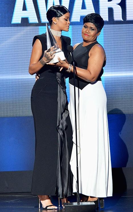 Rihanna Mom And Dad : rihanna, Rocks, Guyanese, Heritage!, International, Sensation, Robyn,