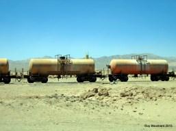 Transport d'acide sulfurique dans le désert vers les mines