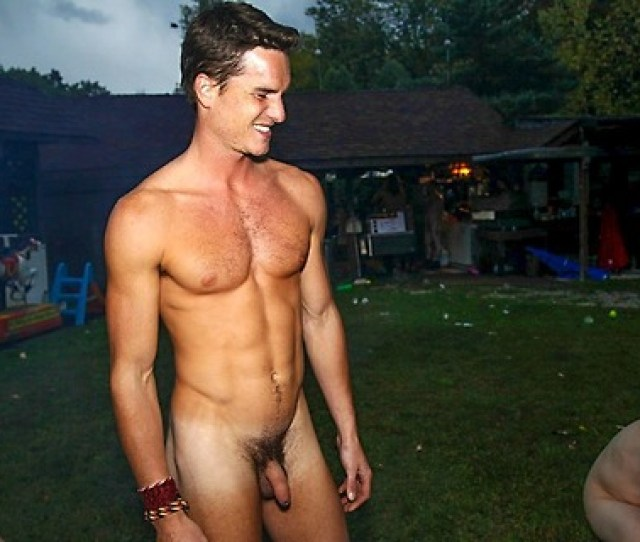 Sexy Straight Guy Naked Outdoors